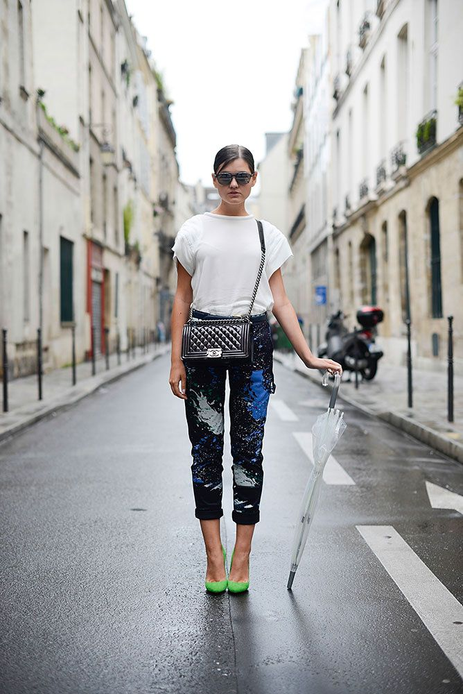splatter paint pants, printed pants, rolled pants, umbrella