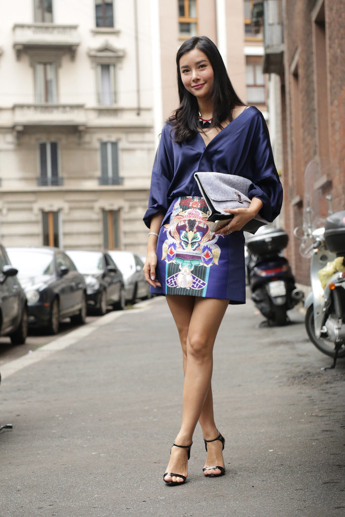 graphic mini skirt, navy blouse, sandals, MFW-Street-Style-Day-3-2
