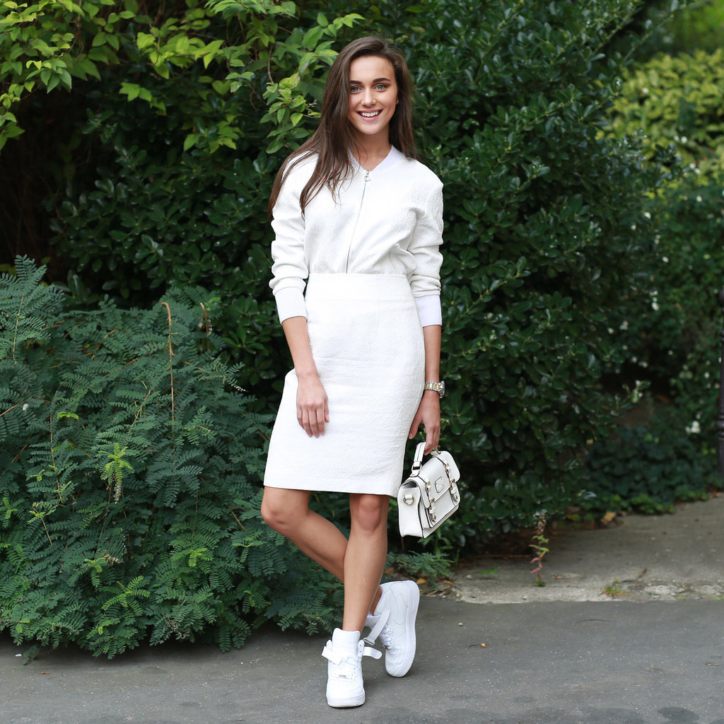 sneakers-skirts-fall-whites-white-skirt-pencil-skirt-sneakers, white pencil skirt, sneakers and skirts, mini bag, white purse, all white, monochromatic, high tops, high top sneakers
