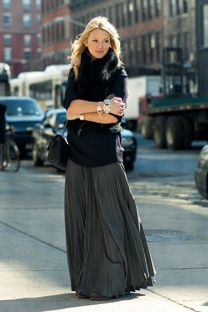 zanni, editor style, pleated maxi skirt, turtleneck sweater, sweaters over dresses, fall style