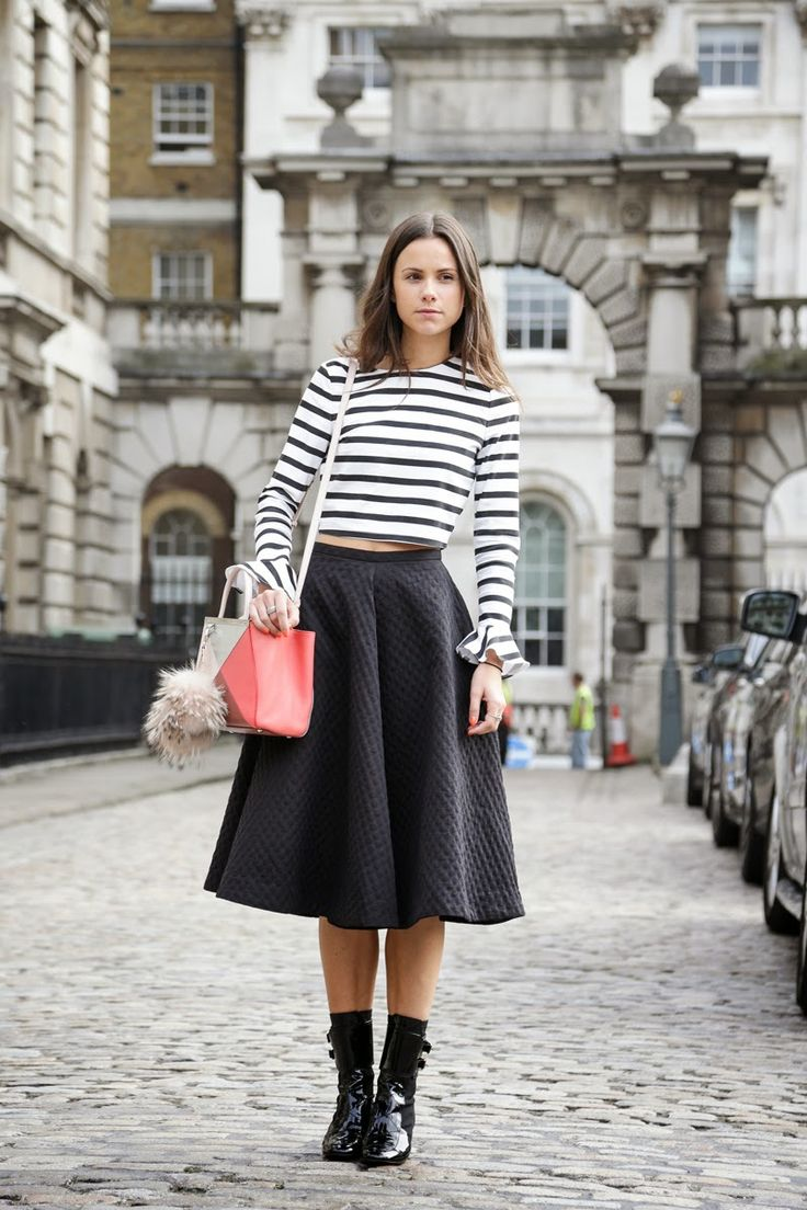 black full midi skirt, black ladylike midi skirt, striped crop top, stripes, colorblocked bag, fury, buckled booties, mid-calf boots, back ankle boots