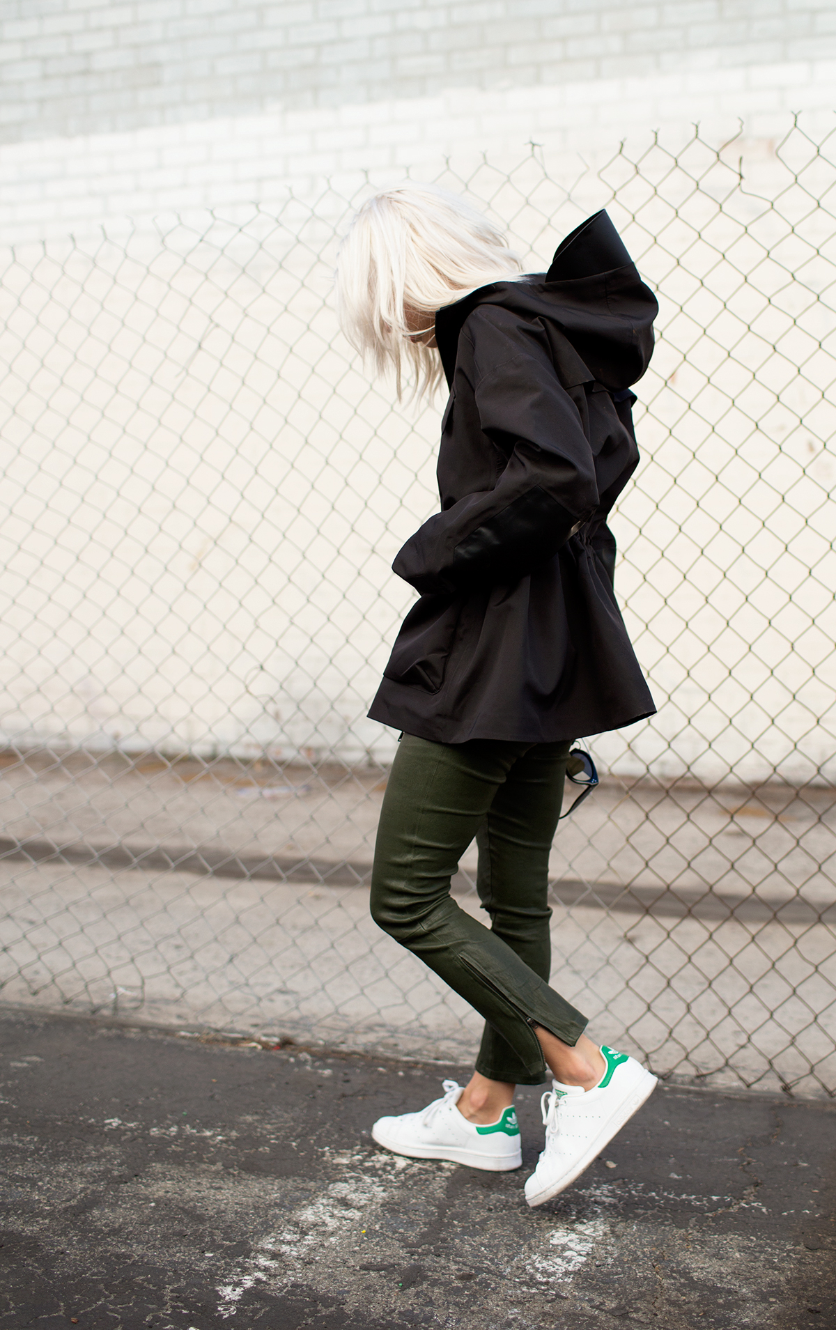 adidas-stan-smith-sneakers-green-coated-jeans-fall-via--alwaysjudging