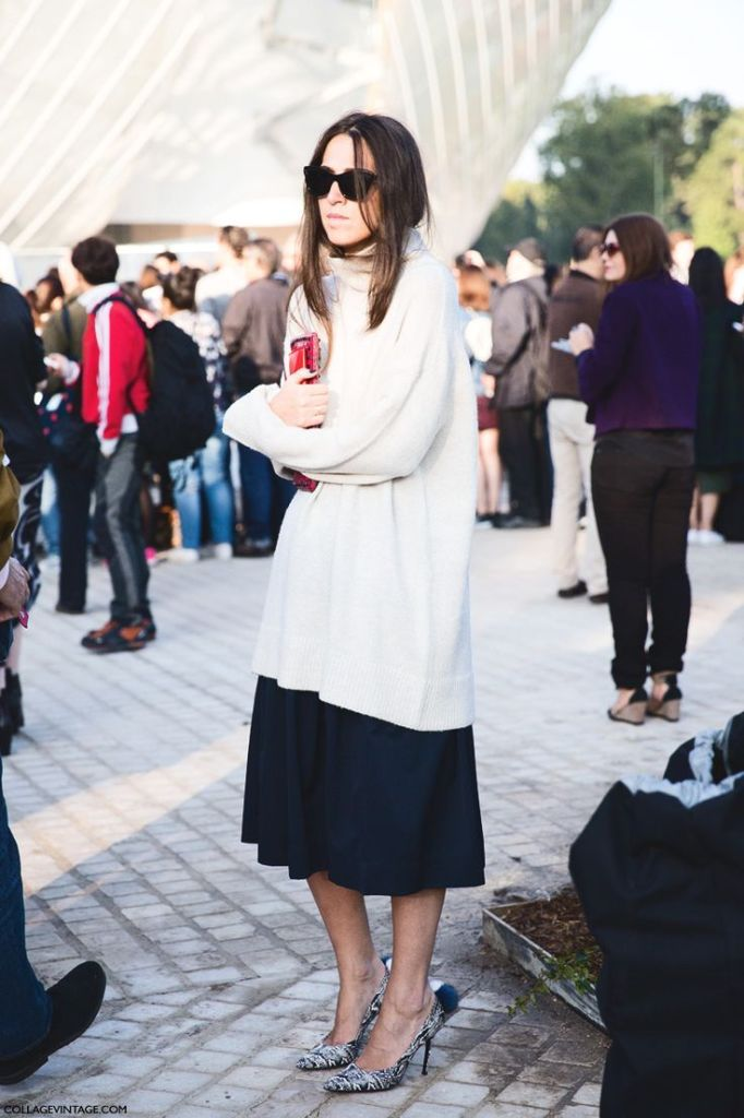 winter outfit, oversized turtleneck sweater, midi skirt, black and white