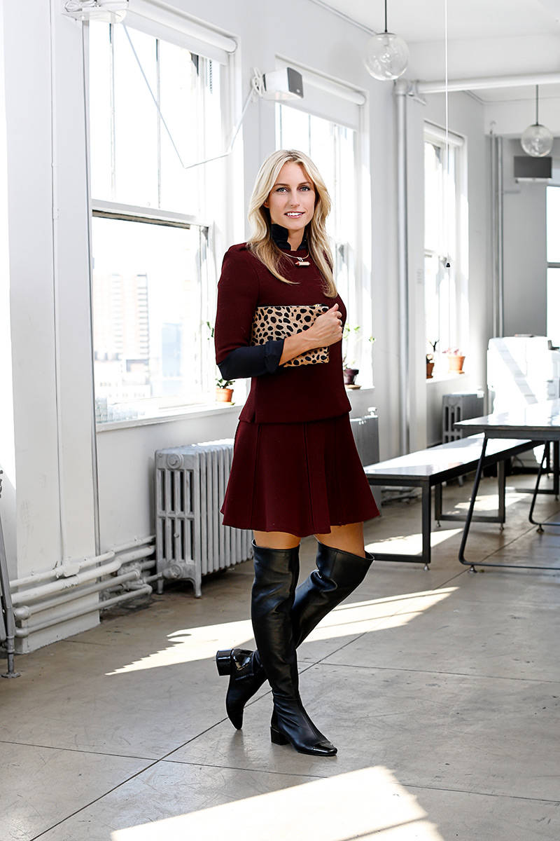 elle-over-the-knee-boots-burgundy-animal-print-clutch-03-lara-bjork-workwear-v-xln