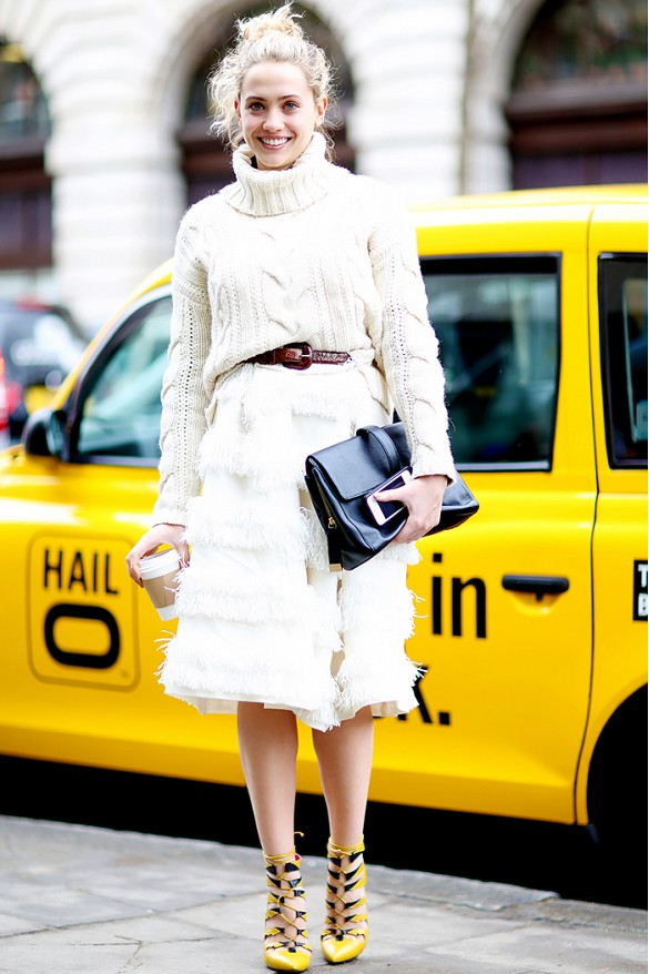 fall-whites-chunky-sweater-turtleneck-ruffles-fringe-via-vanessa-jackman