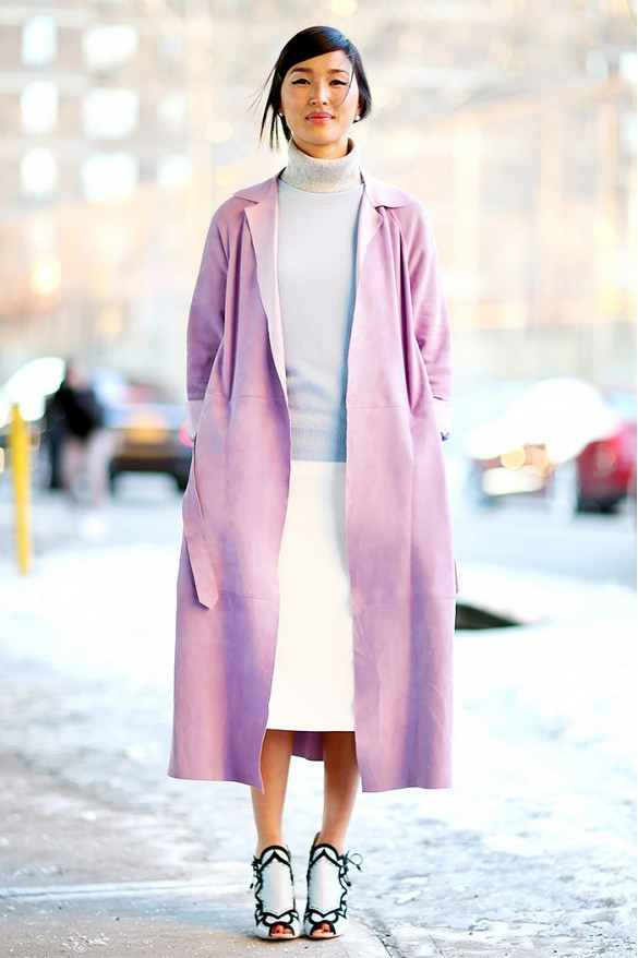 fall-whites-fall-pastels-midi-skirt-turtleneck-via-vanessa-jackman