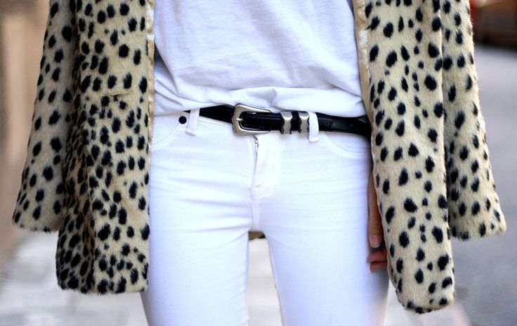 fall-whites-white-jeans-fall-white-tee-white-on-white-leopard-print-coat-classics-staples-via-classy-and-style.tumblr.com
