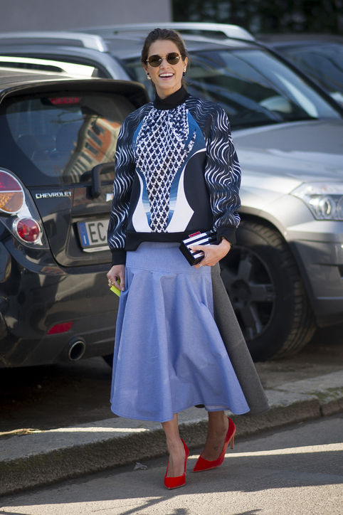 graphic-printed-sweatshirt-long-midi-skirt-swetshirts-and-skirts-pastel-skirt-via-fashionclue.net