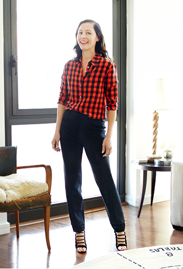 marlene-r-plaid-shirt-lumberjack-flannel-shirt-black-pants-out-work