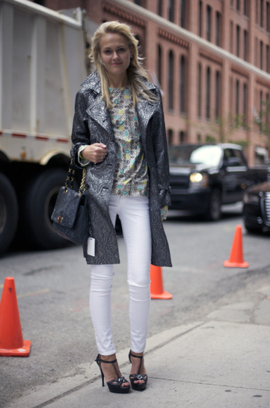 mary-kate-steinmiller-white-jeans-metallic-trench-coat-brocade-printed-blouse-spring