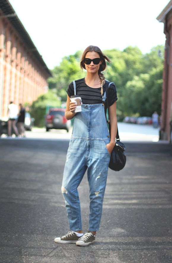 overalls-striped-tee-converse-sneakers-bucket-bag-model-spring-fall-via-blog.freepeople.com