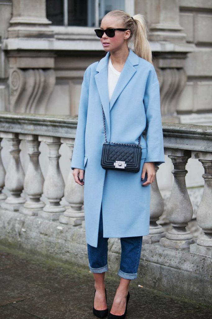 how to roll your jeans, denim styling, jeans, pastel-blue-coat-quilted-mini-bag-rolled-jeans-black-pumps-fall-pastels-via-elle