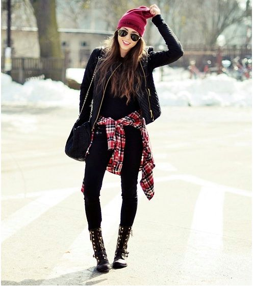 plaid-shirt-flannel-grunge-boots-black-leather-moto-jacket-black-skinnies-beanie-aviators-via-hercampus