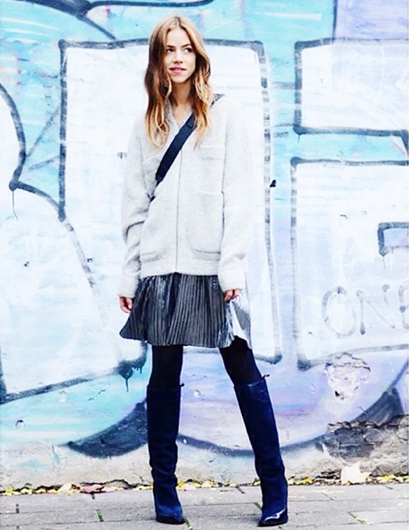 pleated-mini-skirt-metallic-cardigna-sweater-fall-neutrals-wedge-knee-high-boots-via-trineswardrobe