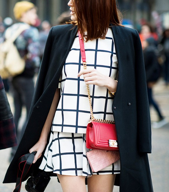 skirt-set-windowpane-print-photographer-fall-spring-via-le-21eme