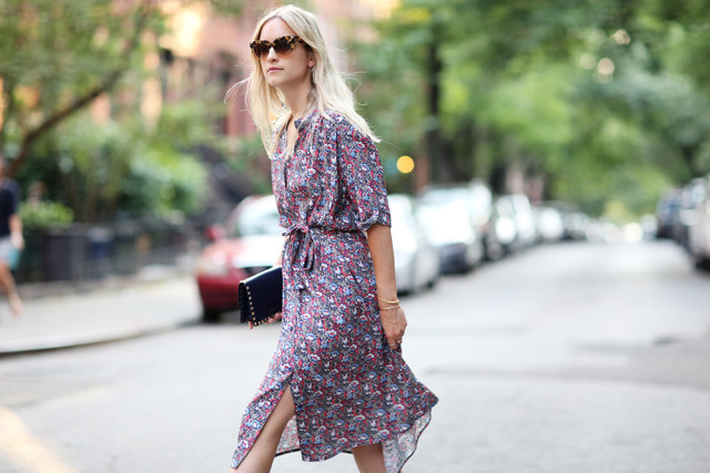 summer-work-outfits-printed-shirt-dress-sunglasses-summer-date-party-via-thefashionguitar