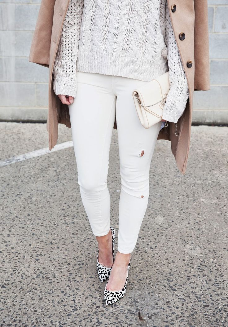 white-jeans-camel-coat-white-fisherman-sweater-fall-whites-white-on-white-monochromatic-black-and-white-pumps-fall-neutrals-via-seewantshop.blgospot.com
