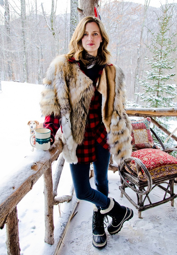 how to wear snow boots, winter outfits, snow outfits, amanda brooks, sorrel boots, fur coat, lumberjack plaid shirt