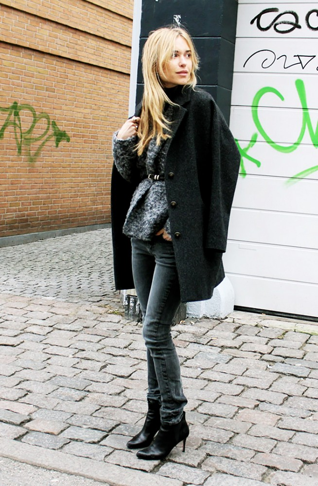 belted cardigan, layers, jacket on shoulder, grey skinnies, fall outfit, look de pernille