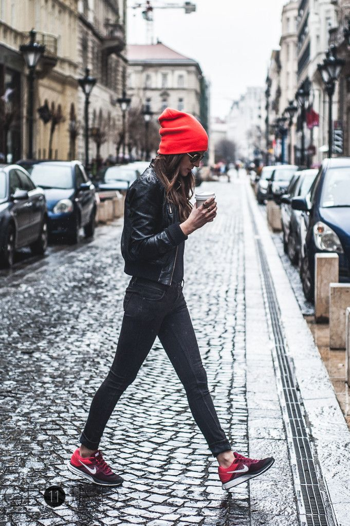 beanie, winter outfit, how to wear beanies, winter hat, knit hat, blac leggings, sneakers, moto jacket