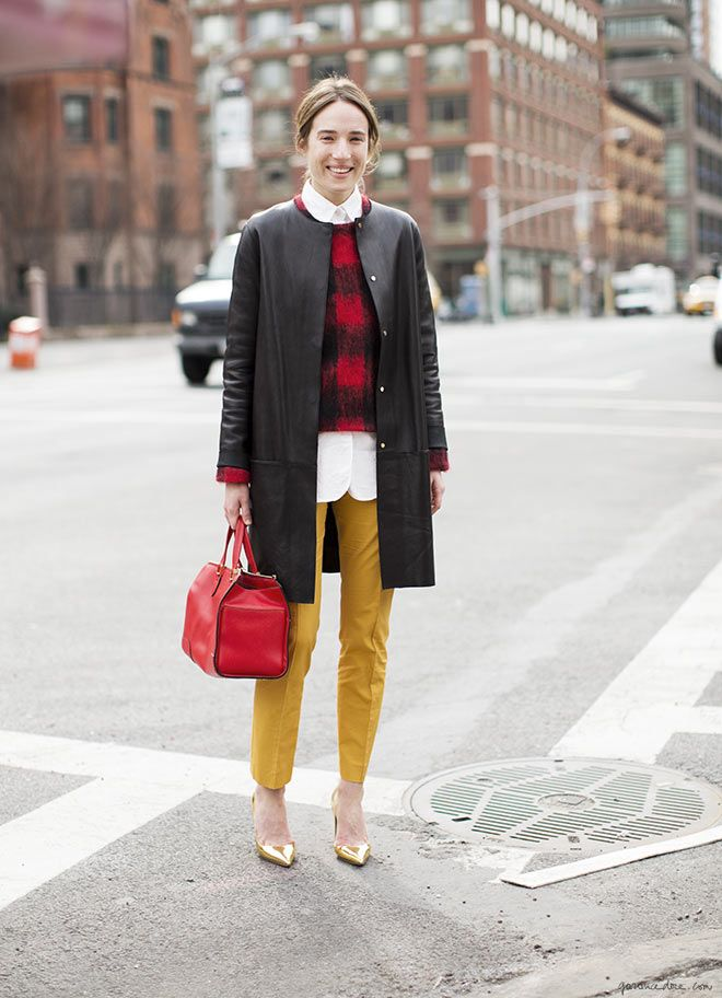 fall-mustard-pants-lumberjack-plaid-red-plaid-red-checkered-top-red-bag-fall-layers-via-garancedore.fr