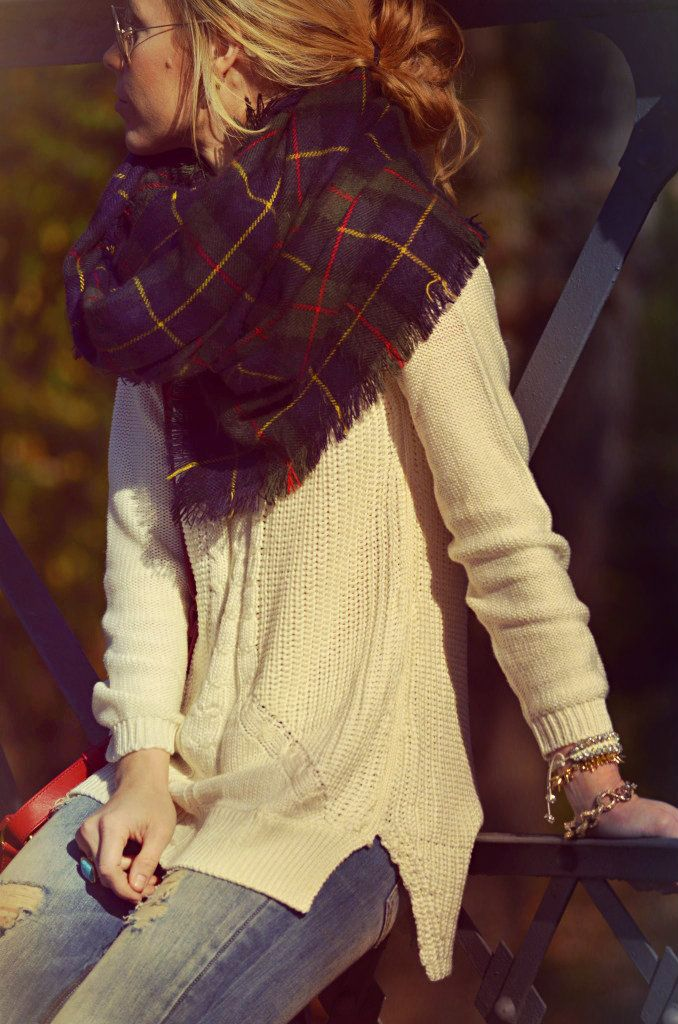 fall-weekend-jeans-oversized-sweater-arm-party-sunglasses-plaid-scarf-via-happily-grey
