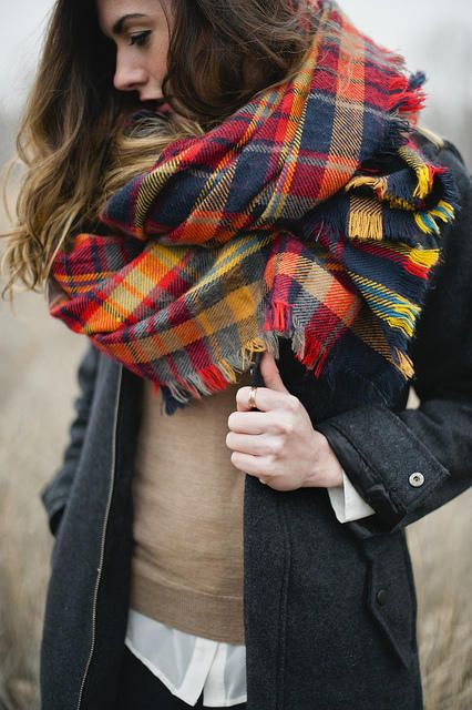 fall-weekend-white-oxford-fall-layers-plaid-scarf-via-flickr.com