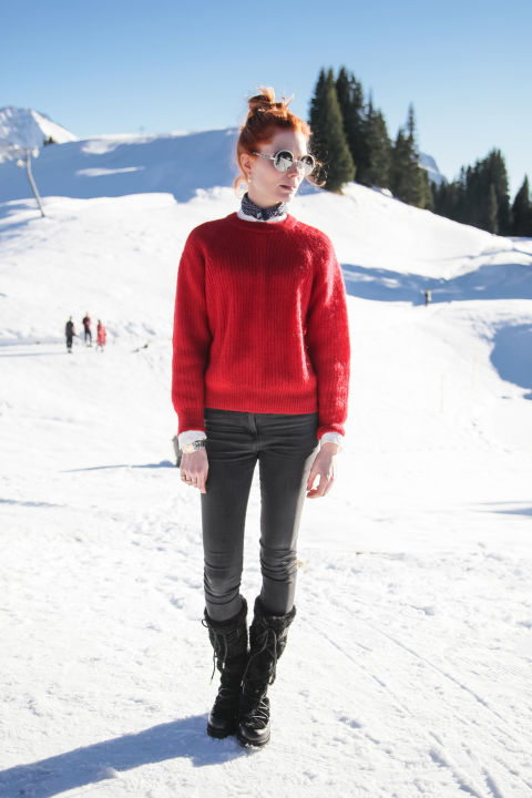 snow outfits, what to wear in a snowstorm, winter outfit, pares ski-snow boots-red sweater-scarf-ski outfit-apres ski outfit-jessia joffe-hbz