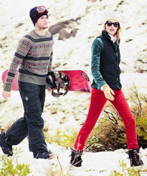 what to wear for apres ski, ski outfit, winter outfit, snow outfit, red skinny pants, vest, beanie,