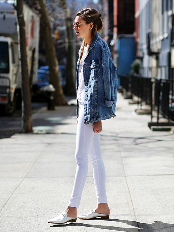 white jeans, denim jacket, all white, summer weekend, mules, loafer mules, white loaferes