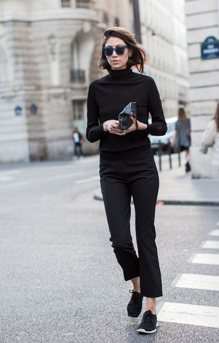 how to wear a turtleneck, all black outfit