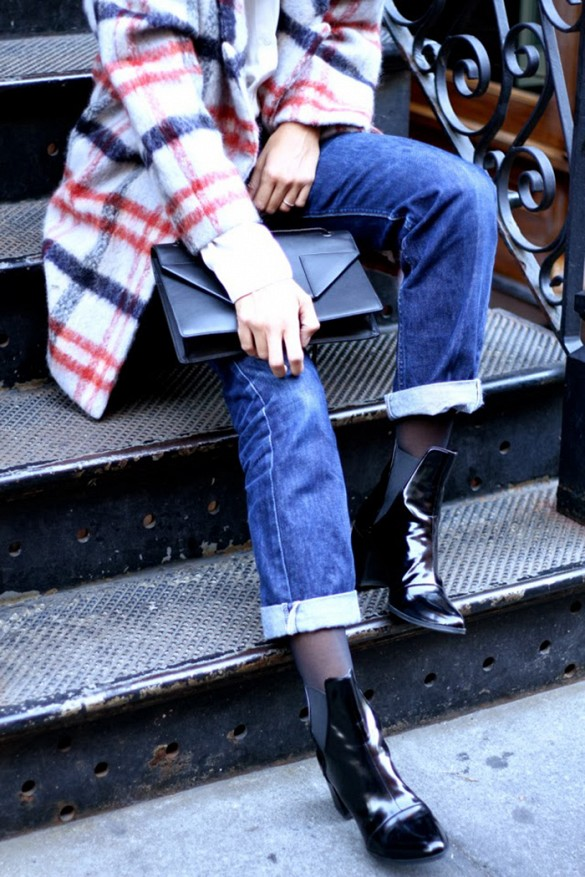 how to cuff your jeans, jeans, denim styling tips, plaid coat,