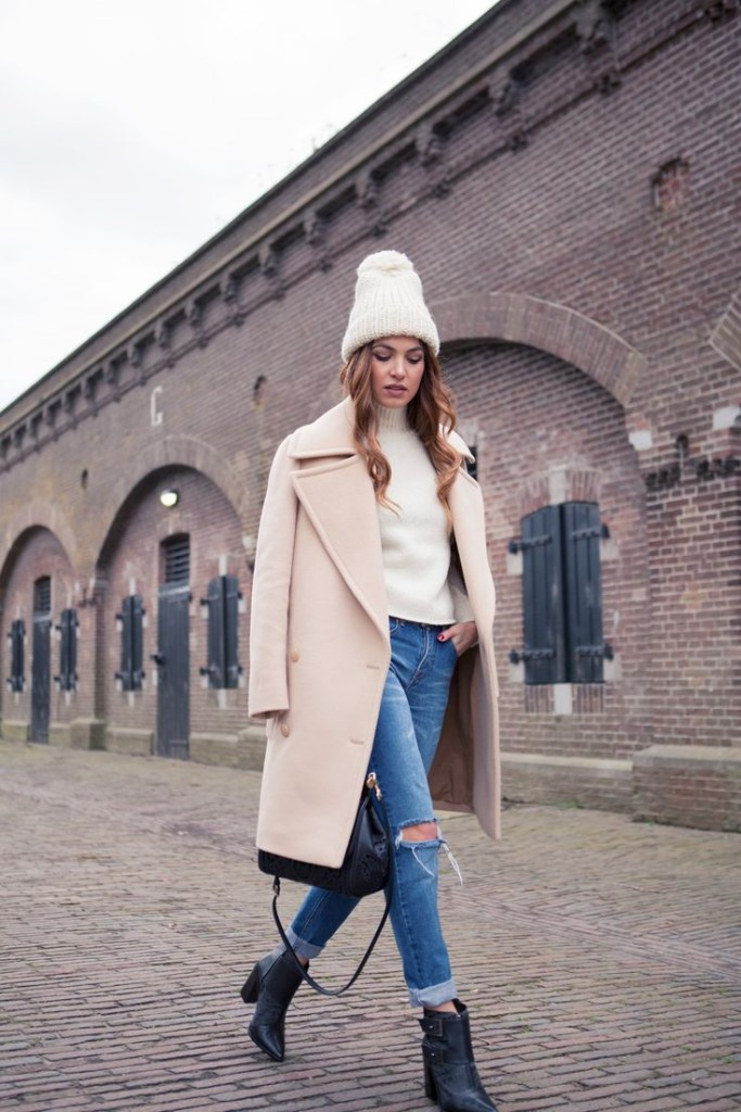 how to cuff your jeans, jeans, denim styling tips, camel blush coat, beanie
