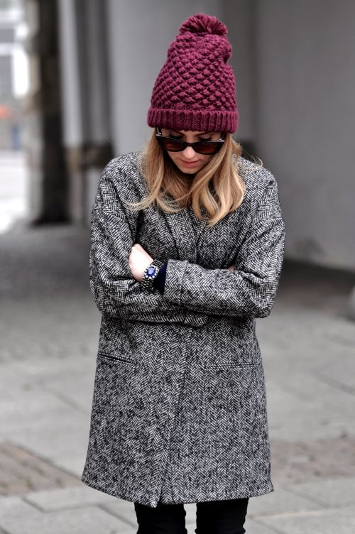 beanie, winter outfit, how to wear beanies, winter hat, knit hat, pom pom hat, grey tweed coat