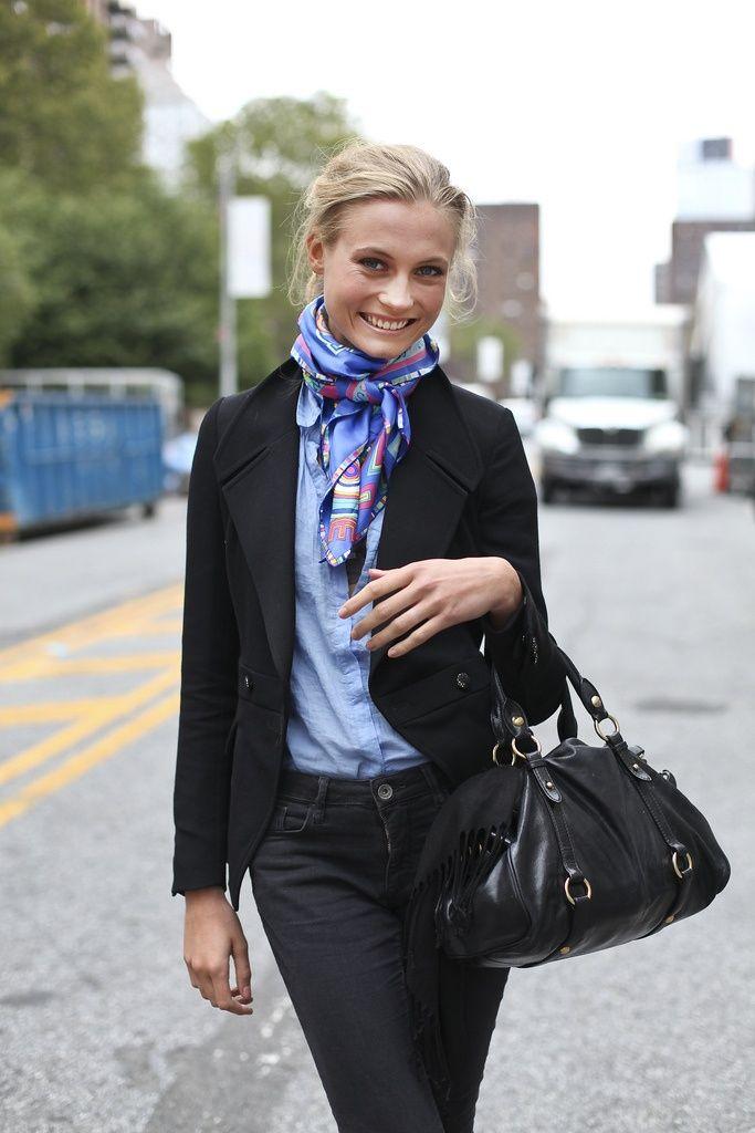 How to wear hermes scarf tie
