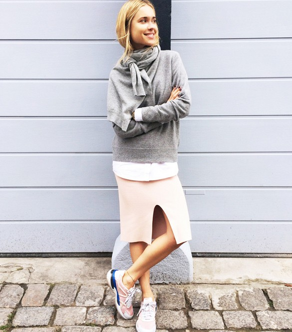 sneakers-and-skirts-sweaters-and-skirts-fall-layers-winter-layers-gym-shoes-fall-winter-pastels-blush-pastel-pink-grey-gray-gym-shoes-pencil-skirt-scarf-via-lookdepernille