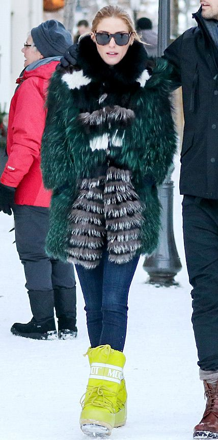 what to wear to apres ski, ski outfit, winter outfit, snow outfit, colored fur coat, snow boots, moon boots, olivia palermo