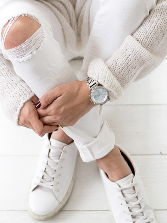 winter-whites-boyfriend-mens-watch-white-sneakers-white-jeans-oversized-sweater-via-alwaysjudging