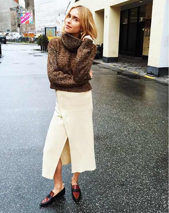 wrap skirt turtleneck sweater chunky sweater oxfords brogues loafers