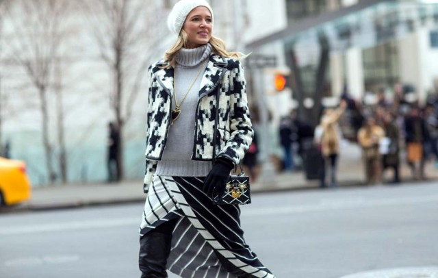 nyfw-black-and-white-skirts-turtleneck-hat-via-via-thestyleograph