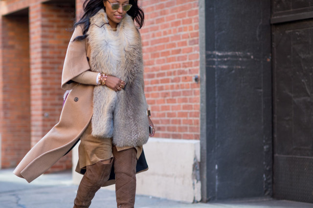 what to wear to work when it's freezing outside, nyfw-winter-layers-freezing-elle-fur-scarf-camel-coat-short-sleeve-coat-over-the-knee-boots-leather-70s-