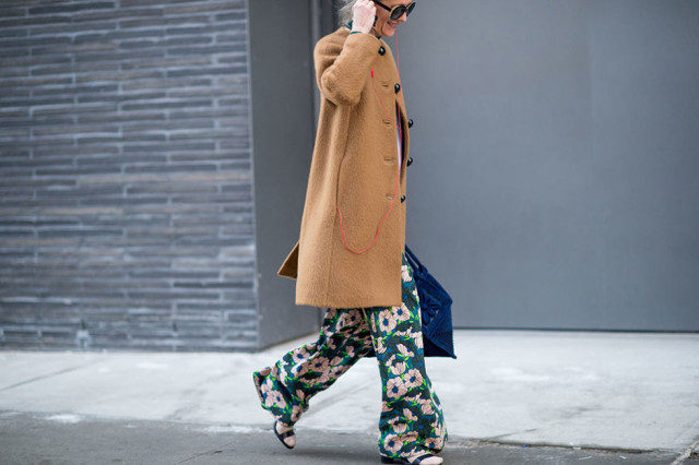 nyfw-winter-layers-freezing-elle-socks-and-sandals-camel-coat-floral-print-printed-pants-tropical-prints