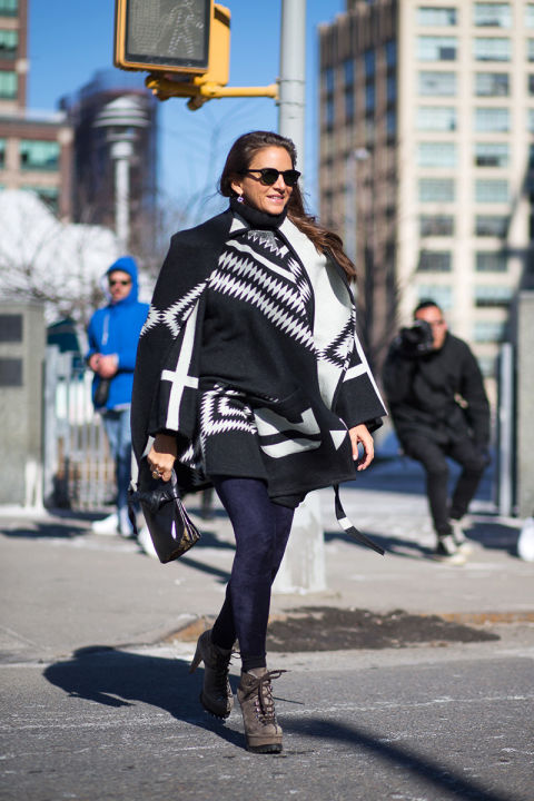 nyfw-winter-layers-freezing-hbz-aztek-printed-blanket-coat-booties