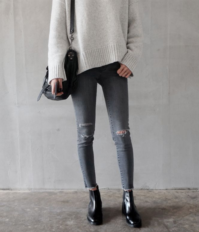 chelsea boots, winter outfit, ankle boots, booties, oversized-sweater-distressed-skinny-jeans-chelsea-boots-neutrals-via-death-by-elocution.tumblr.ocom