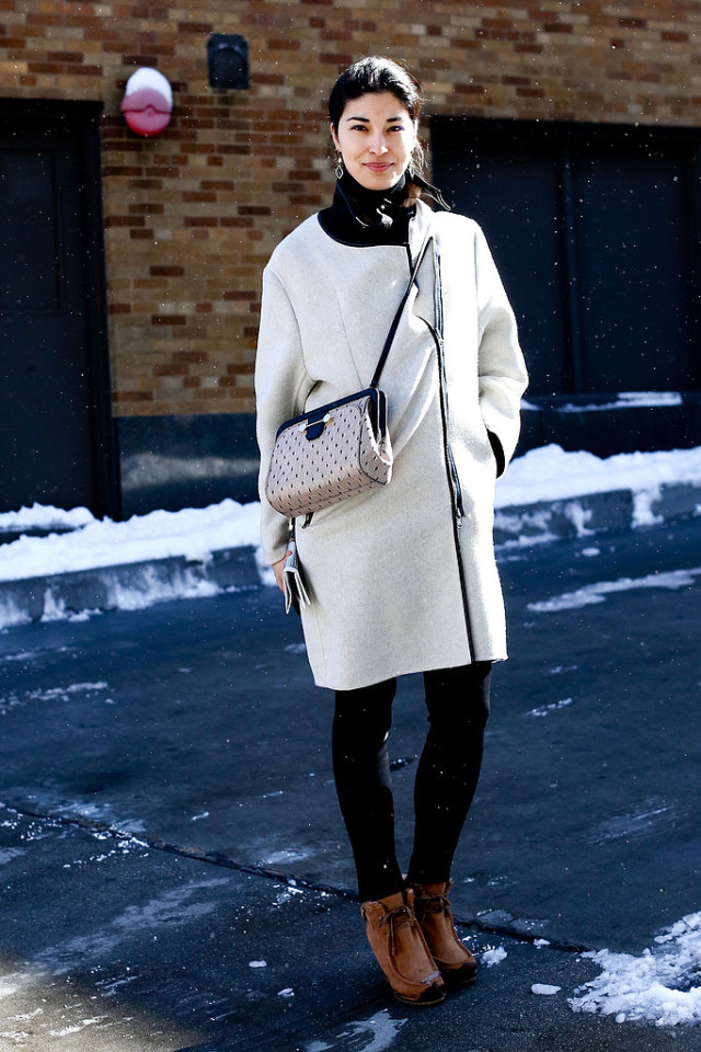 snow outfits, what to wear in a snowstorm, winter outfit, caroline issa