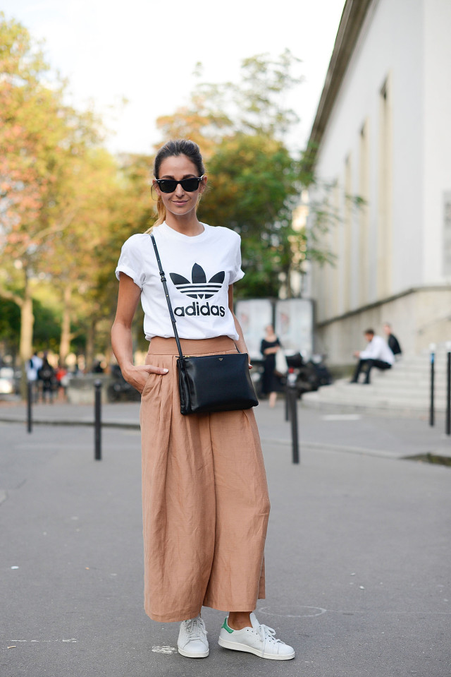 adidas-culottes-wide-leg-pants-blush-peach-adidas-sneakers-white-sneakers-stan-smith-adidas-tshirt-tee-graphic-tee-normcore-sportyPFW-Street-Style-time-via-getty