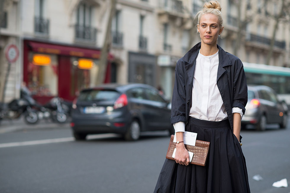 midi skirt, white oxford, pfw, transitional dressing, spring to winter,