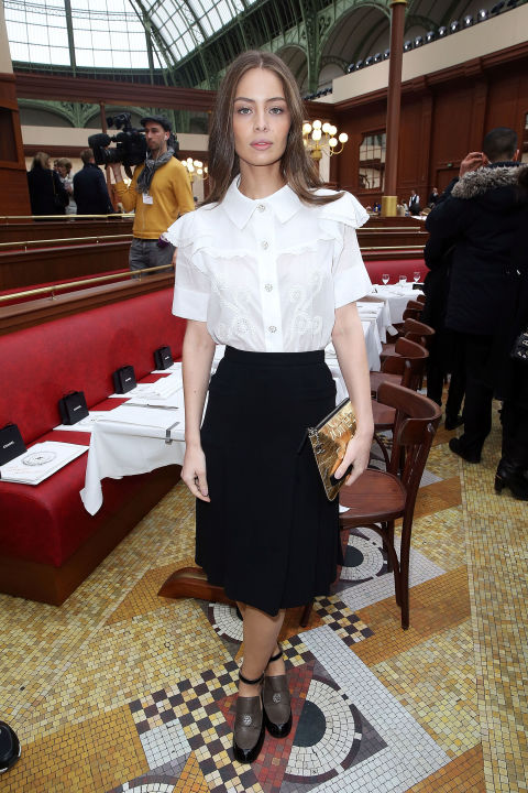 black and white, puffy sleeve blouse, midi skirt, knee skirt, spring, work, ladylike, pfw, street style, chanel