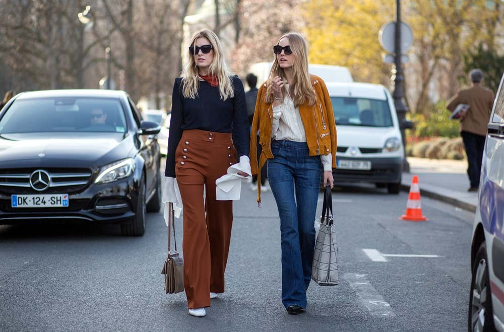 pfw-70s-wide-leg-pants-suded-jacket-street-style-via-the styleograph