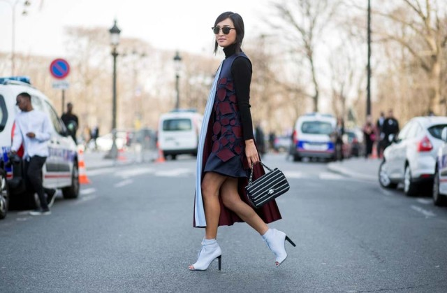 pfw-spring-to-winter-dress-turtleneck-transitional-dressing-white-peep-toe-booties-via-the styleograph